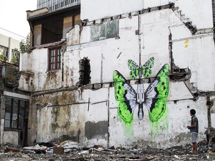 Ephemera Fuzhou Streetart by Artist Ludo. Image via Dezeen Daily